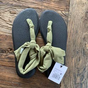 Sanuk yoga mat sandal flip flops green - new!